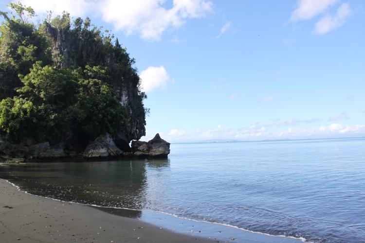 Brgy Tinabangan on waters edge.JPG