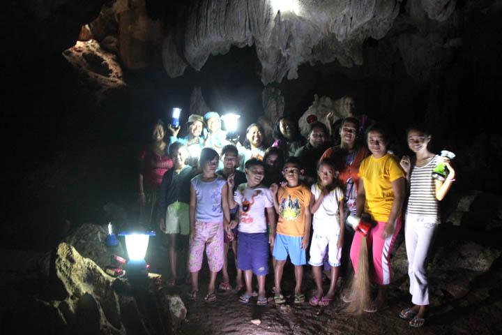 UKTO members in cave